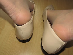 new pointy patent leather ballet flats and nylons - close up pics (Isabelle.Sandrine2001) Tags: workout legs feet shoes pumps ballet flats ballerinas tattoos nylons stockings