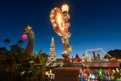 Echo Lake Christmas (MarcStampfli) Tags: disney disneyshollywoodstudios edited florida gertiethedinosaur hollywoodboulevard night nikond7500 themeparks vacationkingdom wdw waltdisneyworld