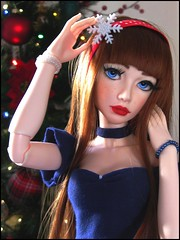 ❤ MERRY CHRISTMAS 2018 !! ❤ (Misstica Dolls) Tags: souldoll soulkid kid souldollyeonsoo yeonsoo yeon soulkidyeon soo msd bjd balljointeddoll doll christmas tree merrychristmas joyeuxnoël 2018 red lips pinup handmade makeup christmastree arbre fête rousse blue eyes chocker winter snow neige