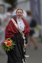 Brittany save the Queen 2018 ! (Patrick Doreau) Tags: people personne bretonne danseuse tradition culture fête sourire yeux coiffe femme défilé woman bretagne guigamp saintloup celtique costume reine queen goëlo trégor côtesdarmor