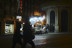 End of day #portugal #porto #street #t3mujinpack (t3mujin) Tags: baixa street porto city night oporto portugal dourolitoral europe people t3mujinpack