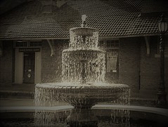 RR Depot Fountain Minolta 16mm subminiature camera (Neal3K) Tags: barnesvillega filmcamera georgia kodakektar100 minolta16 subminiaturecamera