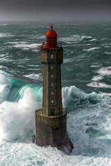 Phare de La Jument - Ile d'Ouessant (Ronan Follic) Tags: france bretagne brittany breizh finistere ouessant phare lighthouse mer sea seascape seascapes tempête tempete storm helico helicopter helicoptère ronanfollic