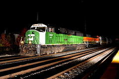 Moving Out (Robby Gragg) Tags: bn bnsf sd60m 1464 joliet