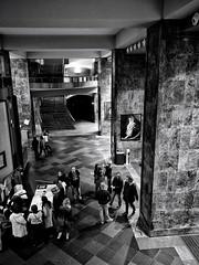 Hall del auditorio de la Laboral, Gijón (La nesto de la lango) Tags: auditorio arquitectura gijón asturias bw trasiego espera