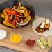 Die Zutaten für das Hellofresh Rezept: Vegetarische Fajitas mit Paprika & Pilzen selbst gemachter, scharfer Soße und Limettenschmand