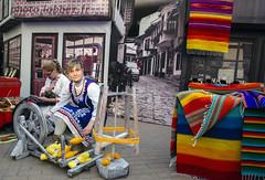 Sofia, Bulgarie (louis.labbez) Tags: 2018 novembre europe bulgarie sofia ue labbez unwto tapis femme woman artisan artisanat bulgaria