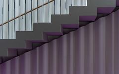steps (Karl-Heinz Bitter) Tags: ffm filmmuseum treppe geländer farbe wellen architektur abstract architecture frankfurt germany hessen