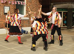 IMG_8477_2592x1728 (Graham Ó Síodhacháin) Tags: tenterdenfolkfestival 2012 tenterden folk festival morrisdancers cocothebutterfields creativecommons