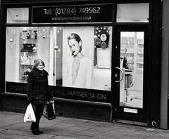 Lawrence Paul (Bury Gardener) Tags: burystedmunds bw blackandwhite britain monochrome mono england eastanglia uk people peoplewatching nikond7200 nikon 2019 suffolk streetphotography street streetcandids snaps strangers candid candids folks abbeygatestreet