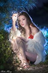 DSC_2129 (Robin Huang 35) Tags: 謝立琪 kiki 下海湖 比基尼 聖誕比基尼 微光 bikini 人像 portrait lady girl nikon d850