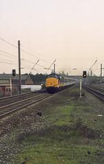 37419 passes Leyland (Get my anorak George) Tags: 37419 clubtrains1991 mark2 regionalrailways leyland britishrail class37 374 ee englishelectric tinsley ti mdrt 1n99