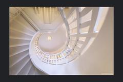 Sonnensegel (Hildegard Spickenbaum) Tags: jugendstil treppe