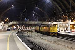 37521 1Q64 york station plt5 14.01.2019 (Dan-Piercy) Tags: colasrail class37s 37521 37099 yorkstation plt5 1q64 derby rtc nevillehill via scarborough testtrain ecml