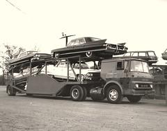GMC Tilt-cab sleeper: CCI #3136 (PAcarhauler) Tags: carcarrier semi tractor trailer truck coe detroit