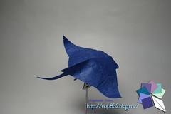 Manta (Rydos) Tags: origami art hanji koreanpaper korean origamist koreanorigamist paperfold fold folding paperfolding designed design model papermodel korea origamilst kamiya satoshi kamiyasatoshi handmadehanji hand made color red blue manta mantaray ray opah paper