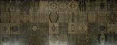 Tappeti di pietra (Colombaie) Tags: muciv museodelleciviltà museodelleartietradizionipopolari lambertoloira eur e42 espsizione roma razionalismo folklore demoetnoantropologia textures sala grande marmi decori tappeti specularità simmetria moduli