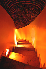 """""""Find me and follow me through corridors, refectories and files..."""" (Anselmo Portes) Tags: istambul istanbul turkey turquia stairs staircase down steps"""