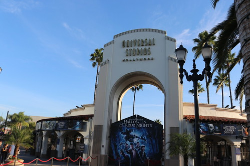 "Universal Studios Hollywood Archway • <a style=""font-size:0.8em;"" href=""http://www.flickr.com/photos/28558260@N04/31239552397/"" target=""_blank"">View on Flickr</a>"