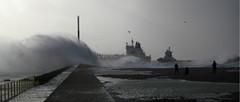 Home sweet home (ludovicbecker) Tags: lehavre lh tempête storm port harbour vague vent hurricane cargo bateau boat universmarin digue quai beginnerdigitalphotographychallengewinner