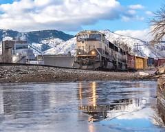 Grinsteins on Ice (Erik C. Lindgren) Tags: goldencolorado coloradorailroads coloradotrains colorado coldastherockies beertrain coorslight coorsbeer coors grinstien bnsfrailway bnsf