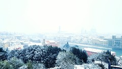 from Piazzale Michelangelo (Go Ciop Go) Tags: firenze florence toscana tuscany italia italy neve snow nevicata snowfall inverno winter 2018 panorama skyline piazzalemichelangelo