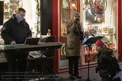 Þorláksmessa (letzter Tag vor dem Weihnachtfest) in Reykjavik (Agentur snapshot-photography) Tags: abend abenddämmerung abendlich abendlicht abends advent adventszeit business christmasseason dämmerung dämmerungsaufnahme dawn dusk evening iceland island markt marktbude märkte marktstand personen reykjavik tourism tourismus twilight vorweihnachtszeit weihnachten weihnachtseinkauf weihnachtsgeschäft weihnachtsmarkt weihnachtszeit wirtschaft xmas thorlaksmessa nachts abendstimmung abendämmerung tradition brauchtum handel einzelhandel isländisch isl hauptstadt reykjavíkurborg downtown 101 jahreszeiten winter wintertime 08003000 bevölkerung innenstadt city christmas weihnachtsbrauch brauch bräuche gebräuche 04000000 stþorlákur shopping einkauf einkaufen weihnachtsgeschenke weihnachtseinkäufe kultur