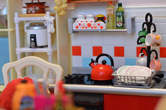 The teapot is singing on the stove. (Moonrabbit_ly) Tags: rement miniature miniaturekitchen dollhouse diorama