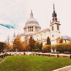 St Paul's Cathedral (heathernewman) Tags: building greaterlondon autumn urban england uk city london garden stpaul's stpaul'scathedral trees church churchyard green architecture cathedral