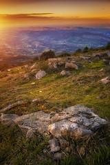 Montagne (zqk09) Tags: sun sunset paysage landscape nature moutain france ariege foix occitanie midipyrénnées rock rocher vert green color sony a7ii 2470