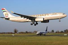 A6-EYR_01 (GH@BHD) Tags: a6eyu airbus a330243 a330200 a330 a332 ey etd etihadairways dub eidw dublinairport dublininternationalairport dublin airliner aircraft aviation