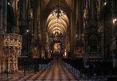 Im Stephansdom (2) (Wolfgang Bazer) Tags: stephansdom st stephens cathedral church interior kirche kircheninnenraum artificial natural light twilight kunstlicht tageslicht zwielicht wien vienna österreich austria gothic gotik gotisch