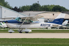 N35719 - 1968 build Cessna 172I Skhawk, arriving on Runway 27 at Oshkosh during Airventure 2018 (egcc) Tags: 17256932 172i airventure airventure2018 ce172 cessna cessna172 eaa ebken kosh lightroom n35719 osh oshkosh skyhawk