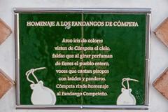 HOMENAJE A LOS FANDANGOS DE CÓMPETA (Stil Licht) Tags: streetphotography statue standbeeld spanje spain fandango espagna competa axarquia andalusia