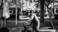 mesa 01771 (m.r. nelson) Tags: mesa arizona az america southwest usa mrnelson marknelson markinaz streetphotography urban artphotography thewest wildwest documentaryphotography people blackwhite bw monochrome blackandwhite ohnefarbstoffe schwarzweiss