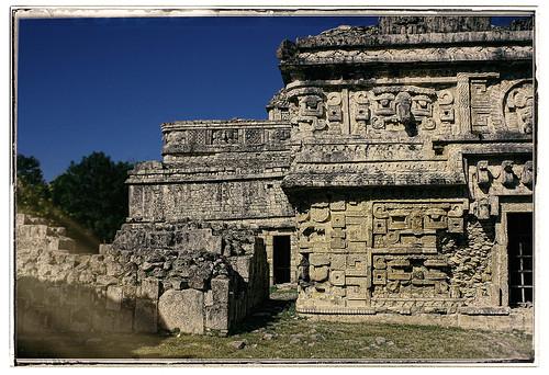Chichén Itzá MEX - Las Monjas east side 03