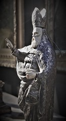 Man in Sevilla (roomman) Tags: 2018 spain tarifa nikolaus sevilla town city statue holy guy man portrait bw black white blackandwhite bandw contrast monochrome