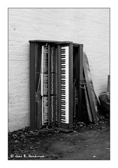 The Piano Has Been Drinking (jbhthescots) Tags: 1450mmsummiluxpreasphv2 glasgow hc110dilb12min ilfordfp4200 leicam3 plustek7600i sekonicl308s vuescan