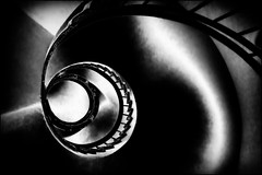 (⨀) Tags: theotherside universe 234 round staircase snail light shadows eye eyelike explore