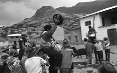 Huancaraylla, Peru, 1970. Limpieza de la acequia 3 (Elf-8) Tags: peru andes ayacucho huancapi huancaraylla fiesta limpieza acequia men boys tradition history