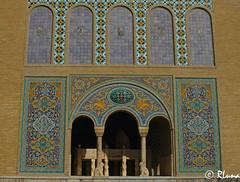 TEHERÁN (RLuna (Instagram @rluna1982)) Tags: irán persia parsi orientemedio desierto photo rluna rluna1982 viaje travel vacaciones tehran instagramapp canon persépolis arte cultura patrimoniodelaunesco patrimoniodelahumanidad mezquita mezquitarosa shiraz teheran golestan