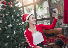 Asian women selfie with chrismas tree in  a family party (phatharapol) Tags: 2019 adult asian ball beautiful beauty bell christmas concept decorated decoration donation enjoy eve familytime festival fun gift girls glitter gold goodtime green handbell happiness happy hold holiday home house knot newyear ornamentallights party people person pretty red redhat reflection relationship relax season shadow shine smile space sparkle whitewall women