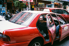 (Hem.Odd) Tags: kualalumpur malaysia taxi car cab olympusxa3 driver agfavista400