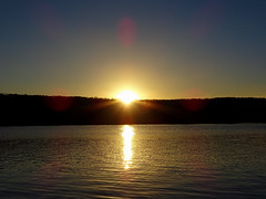 Waiting For The Sun... (M.L Photographie) Tags: sun soleil pond étang water eau sky ciel france normandie normandy eure sony dschx400v