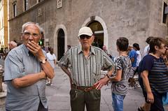 Pienza, 2018 (Antonio_Trogu) Tags: 2018 ricoh people italy italia ricohgr2 uomini tuscany streetphotography unposed pienza man ricohgrii urban antoniotrogu toscana antonio trogu candid piazza street photography elderly anziano ricohgr men