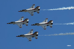180822_35_ACAS_Thunderbirds (AgentADQ) Tags: the united states air force aerial demonstration team thunderbirds perfom atlantic city show new jersey 2018 jet fighter plane airplane aerobatic flying f16 fighting falcon