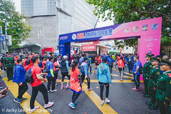 LD4_9968 (晴雨初霽) Tags: shanghai marathon race run sports photography photo nikon d4s dslr camera lens people china weekend november 2018 thousands city downtown town road street daytime rain staff