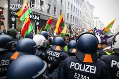 Demonstration: Der Wunsch nach Freiheit lässt sich nicht verbieten! – 01.12.2018 – Berlin - IMG_0075 (PM Cheung) Tags: 25jahrepkkverbot ypg kurden polizei polizeigesetze berlin derwunschnachfreiheitlässtsichnichtverbieten derwunschnachfreiheitlässtsichnichtverbietengemeinsamgegenpolizeigesetze pkkverbotundnationalismus bundesweitedemonstration interventionistischelinke kurdistan rojava türkei 01122018 demonstration demo pag polizeiaufgabengesetz kurdendemonstration pmcheung protest repression überwachung bundesinnenministerhorstseehofer kundgebung 2018 protestfotografie pomengcheung mengcheungpo auftaktkundgebung wwwpmcheungcom aufhebungpkkverbot afd facebookcompmcheungphotography polizeistaat arbeiterparteikurdistans protestveranstaltung rotehilfeev partiyakarkerênkurdistanê ernk bundesinnenministerrudolfseiters auseinandersetzungen rangeleien diepkkgehörtzudeutschland serihilde