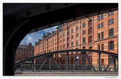 Balade à Hambourg : Speicherstadt. (C. OTTIE et J-Y KERMORVANT) Tags: paysage paysageurbain architecture hambourg speicherstadt allemagne