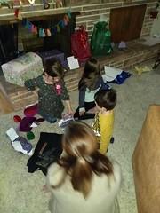 IMG_20181106_183926147 (ce_doit_etre) Tags: 2018 hazel birthday 7thbirthday mountainview lincoln robbie leslie livingroom